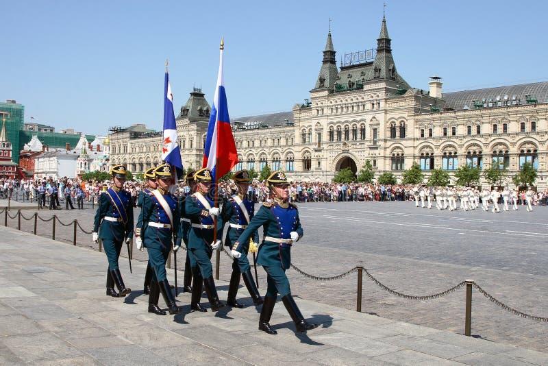 Moskva Ryssland, kan 26, 2007 Rysk plats: skilja sig från hästvakter i MoskvaKreml på den röda fyrkanten royaltyfria foton