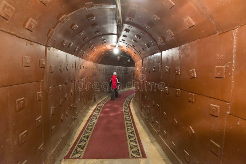 Moskva Ryssland - NOVEMBER 29, 2014, den kärn- bunker, en tidigare sovjetisk hemlig militär lätthet - den omväxlande kommandostol arkivbild