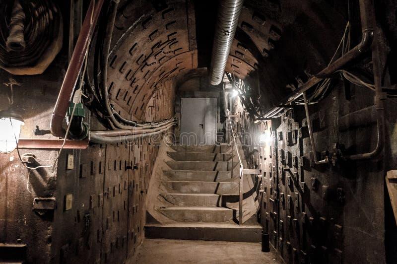 Moskva Ryssland - Oktober 25, 2017: Gräva på Bunker-42, denkärn- underjordiska lättheten som byggs i 1956 som kommandostolpen arkivbilder