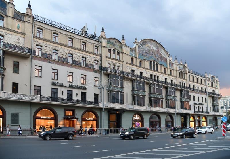 Moskva Ryssland - September 22 2018 Scenisk passage och hotell Metropol fotografering för bildbyråer