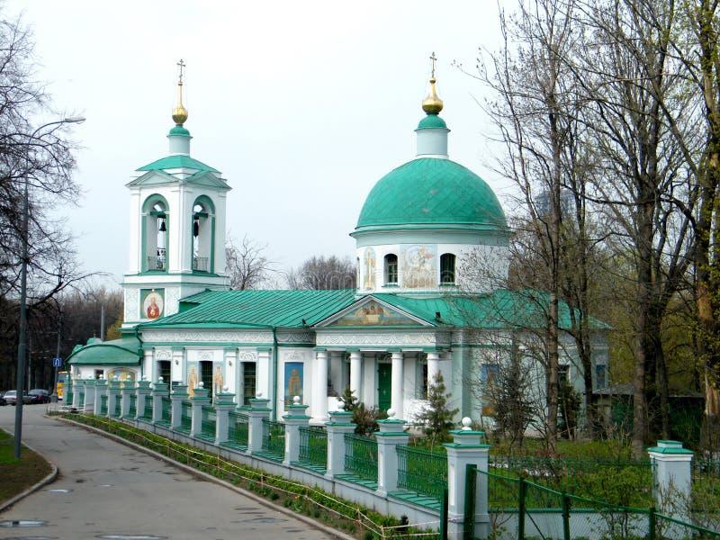 Moskva Treenighetkyrkan på sparvkullar 2011 arkivfoton