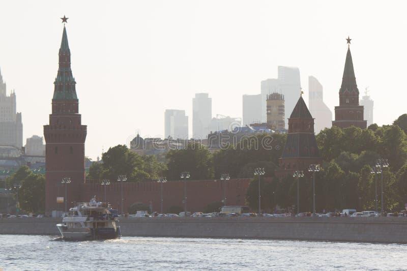 Moskwa Kremlin i Moskwa miasta centrum biznesu fotografia royalty free