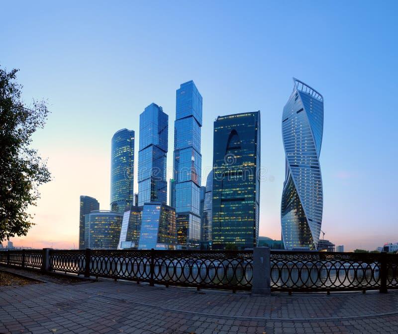 Moskwa Międzynarodowy centrum biznesu & x28; Moskwa City& x29; w evenin obraz royalty free