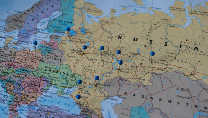 Moskwa Przyczepiał z innymi pucharu świata miejsca wydarzenia miastami w zbliżenie mapie dla futbolowego pucharu świata 2018 w Ro obrazy royalty free