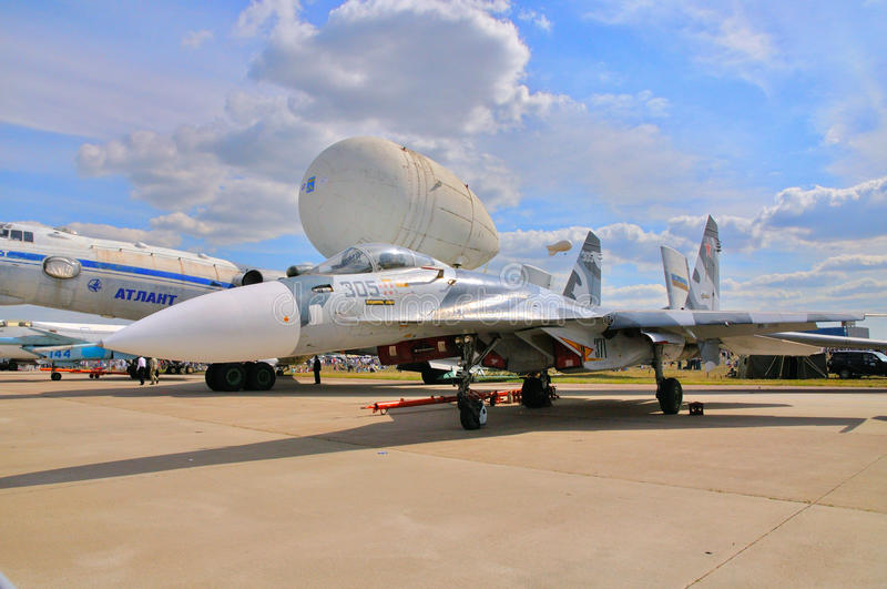 MOSKWA ROSJA, AUG, - 2015: Su-27 Flanker przedstawiający przy 12th M obrazy royalty free