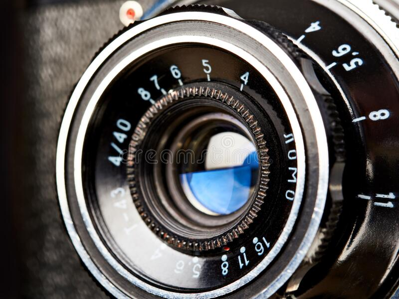 Moskwa, ROSJA - 13 KWIETNIA 2020: Smena-8 - rosyjska kamera dalmierza, LOMO 1963 fotografia stock
