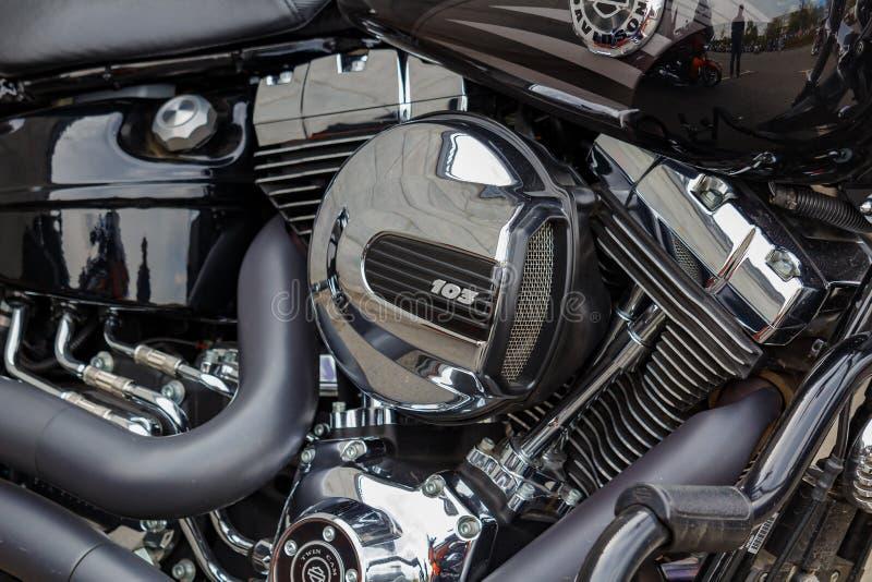 Moskwa Rosja, Maj, - 04, 2019: Chromowany silnik Harley Davidson motocyklu zbliżenie o obraz stock