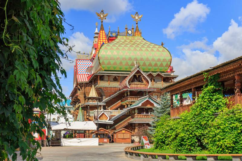 Moskwa Rosja, Sierpień, - 06, 2018: Widok pałac rosyjski repast w Izmailovo Kremlin Kulturalny i rozrywka kompleksu Kr obraz royalty free
