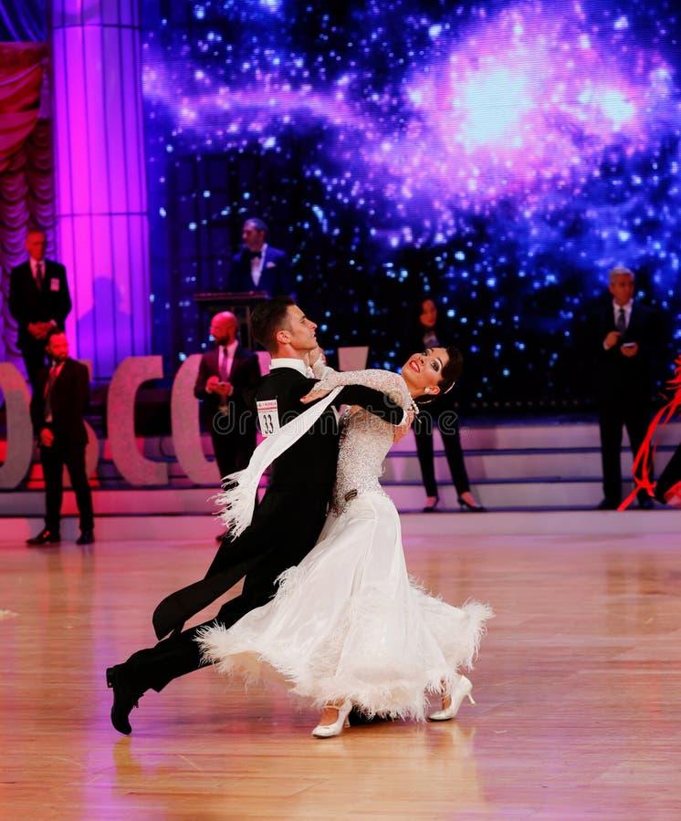 Moskwa, Rosja 3th 2017 Grudzień, tanczyć mężczyzna i wo, zdjęcie stock