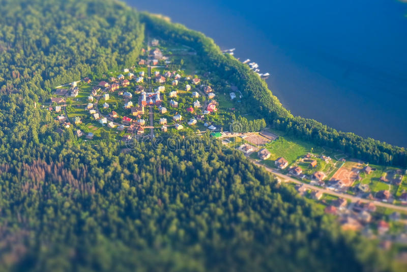 Moskwa, Round rosyjska wioska blisko jeziora fotografia stock