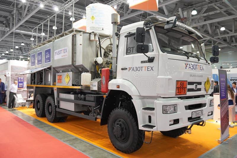 MOSKWA, SEP, 5, 2017: Kamaz ciężarówka z wyposażeniem dla minować, ropa i gaz przemysły na powystawowym Górniczym świacie 2018 Do fotografia royalty free