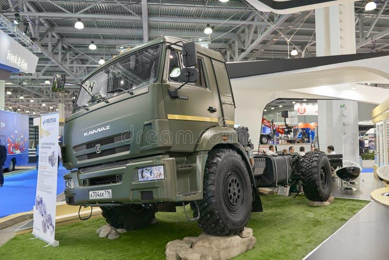 MOSKWA, SEP, 5, 2017: Widok na Kamaz błota rasy drogi ciężarówki eksponacie na Handlowego transportu wystawie ComTrans-2017 Dodat obraz stock