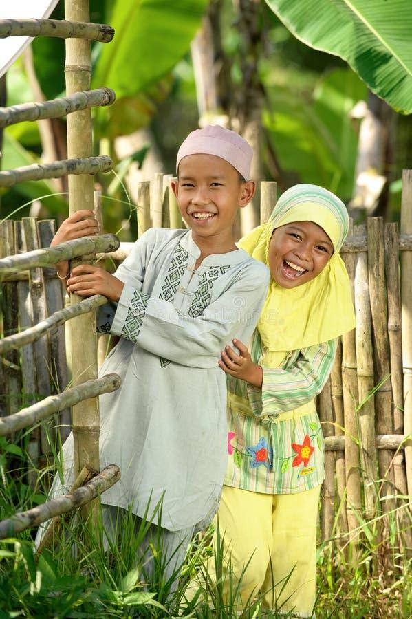 Moslemische Kinder im Freien stockbilder