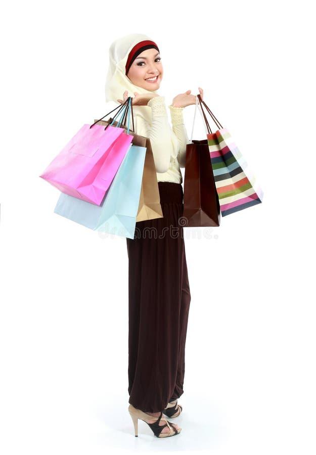 Moslemisches Fraueneinkaufen lizenzfreies stockbild