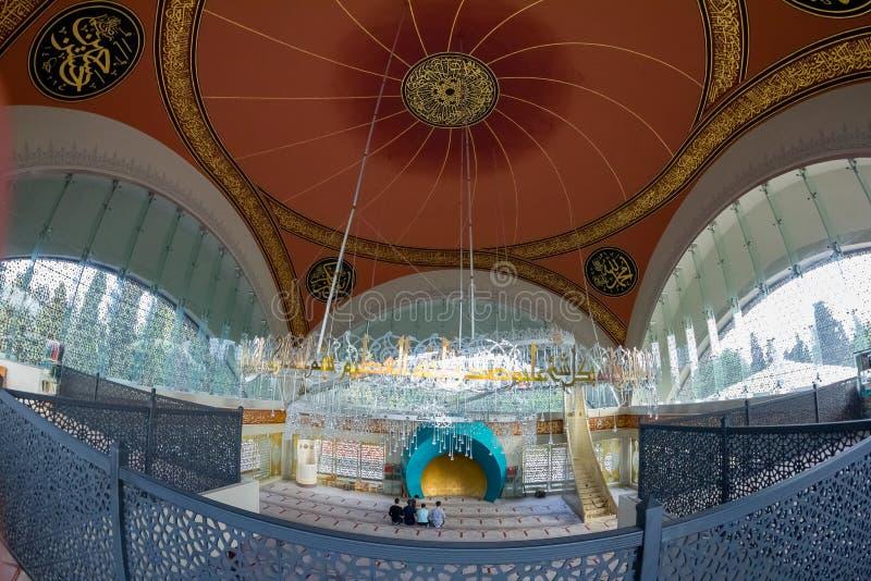 Moslems, die während des Gebets sich vorbereiten lizenzfreie stockbilder
