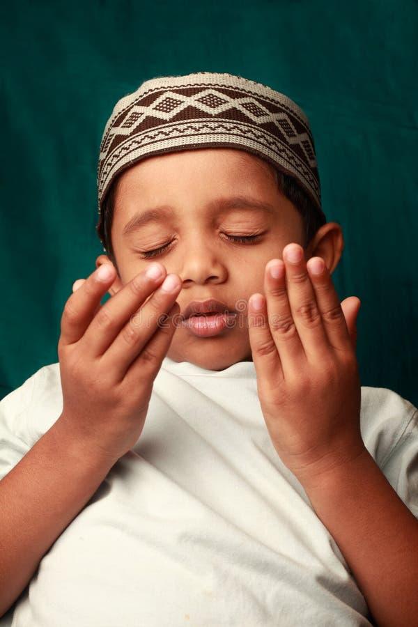 Moslim jongen royalty-vrije stock fotografie