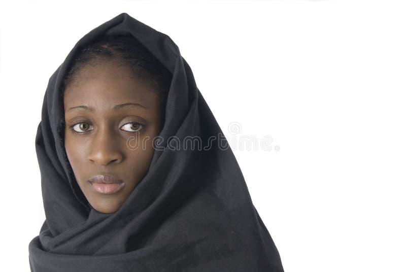 Moslim vrouw met zwarte sluier royalty-vrije stock foto