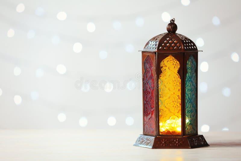 Moslimlamp Fanus en ruimte voor ontwerp stock afbeeldingen