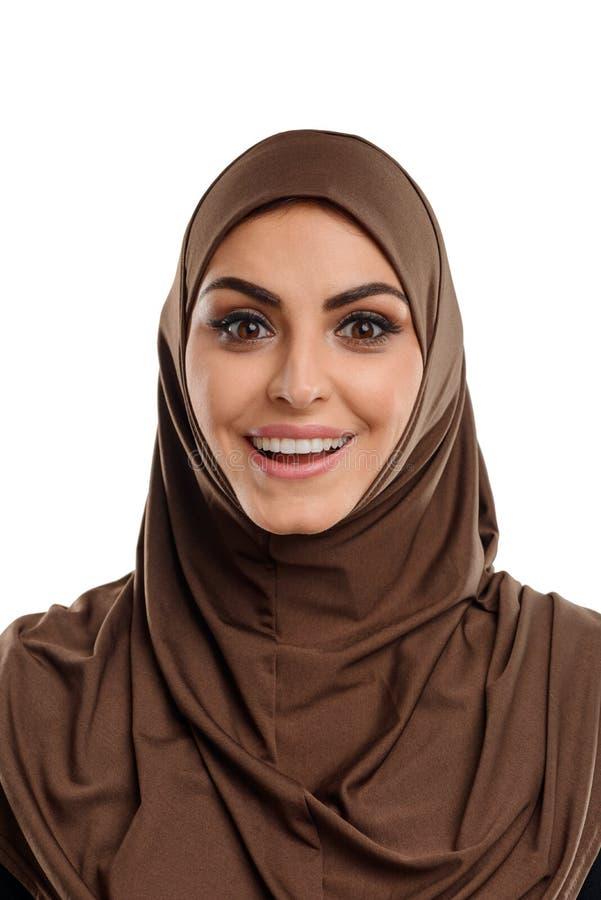 Moslimmeisje met verrast gezicht royalty-vrije stock afbeelding