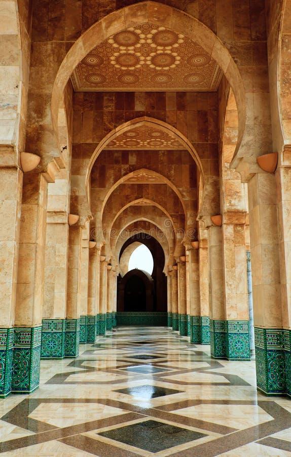 Mosquée compliquée de Hassan de passage arqué de marbre et de mosaïque photos libres de droits