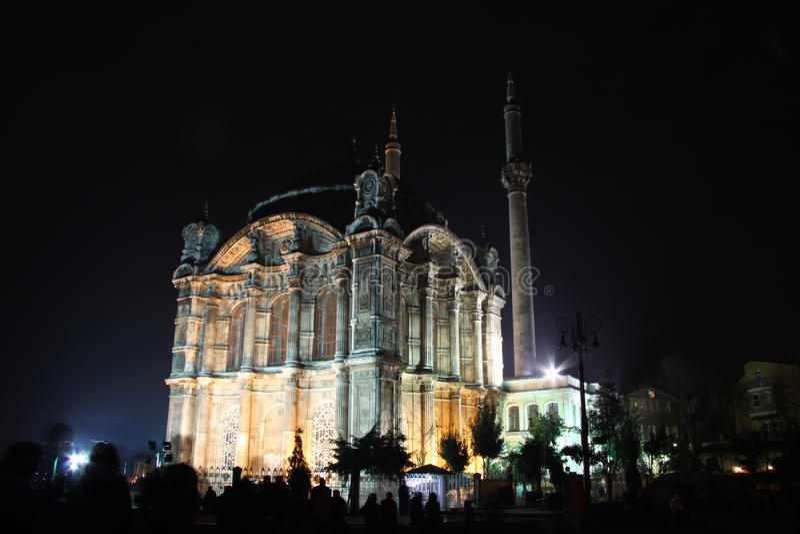 Mosquée d'Ortakoy Buyuk Mecidiye images libres de droits