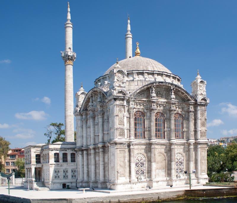 Mosquée d'Ortakoy Mecidiye à la passerelle de Bosphorus photo stock