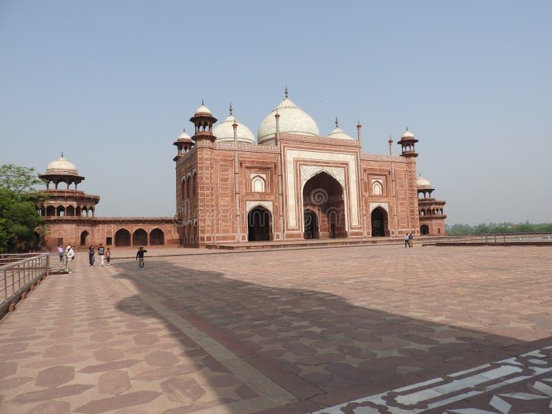Mosquée dans le territoire Taj Mahal, Inde images stock