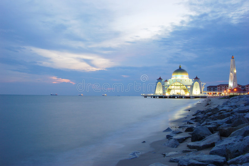 Mosquée de flottement de Selat Melaka   photos stock