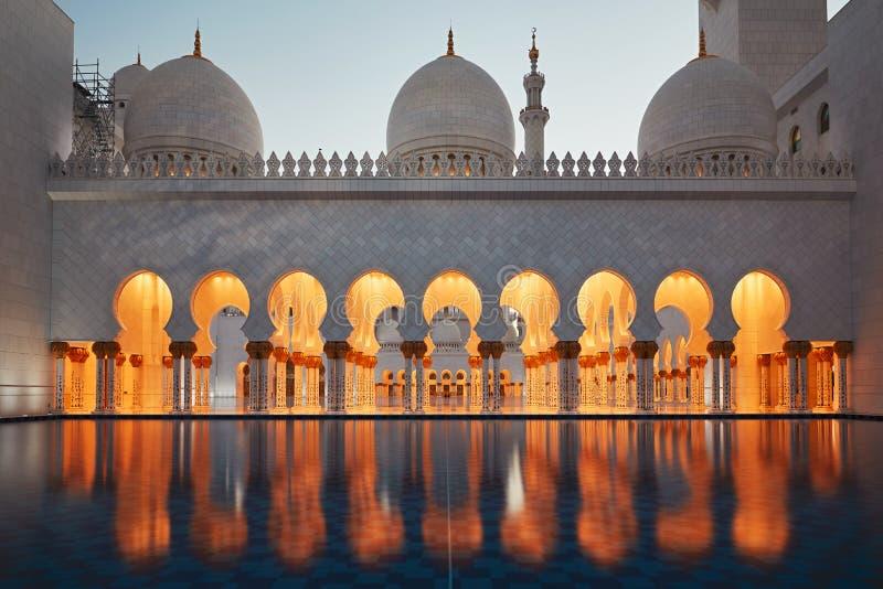 mosquée de l'Abu Dhabi images libres de droits