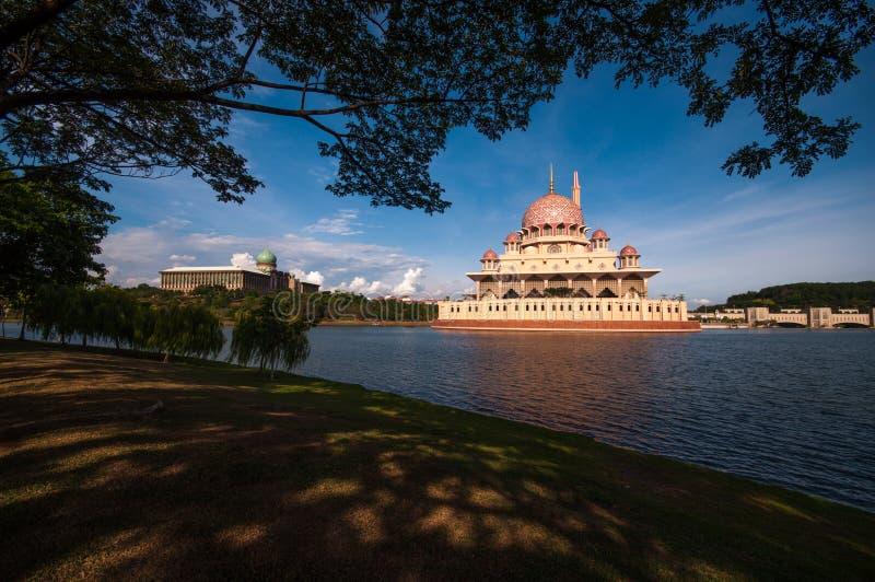 Mosquée de Putra à Putrajaya, Malaisie image libre de droits