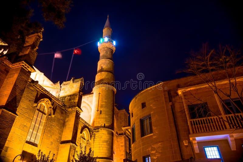 Mosquée de Selimiye la nuit Nicosia, Chypre images libres de droits