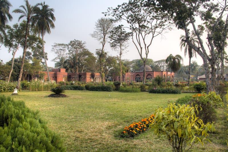 Mosquée de Shait Gumbad dans Bagerhat, Bangladesh images stock