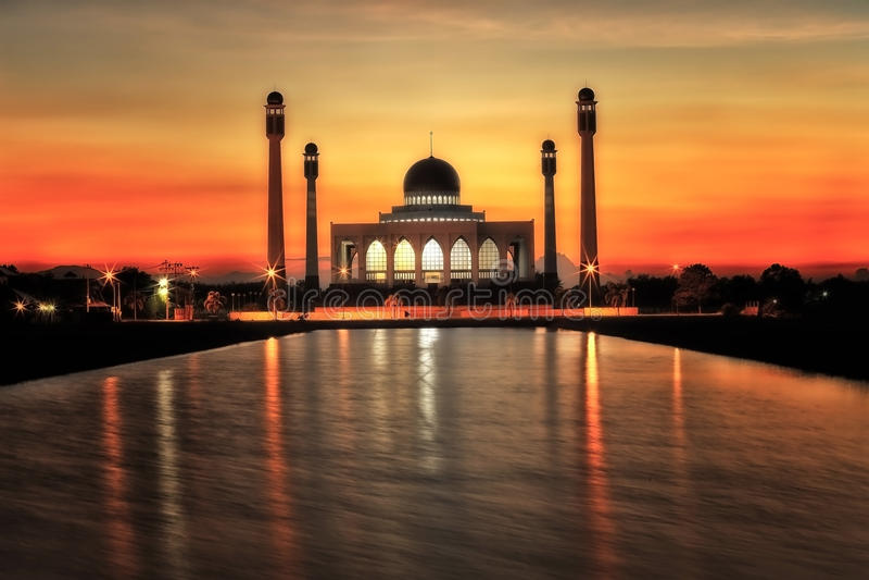 Mosquée de Songkhla au coucher du soleil Thaïlande images stock
