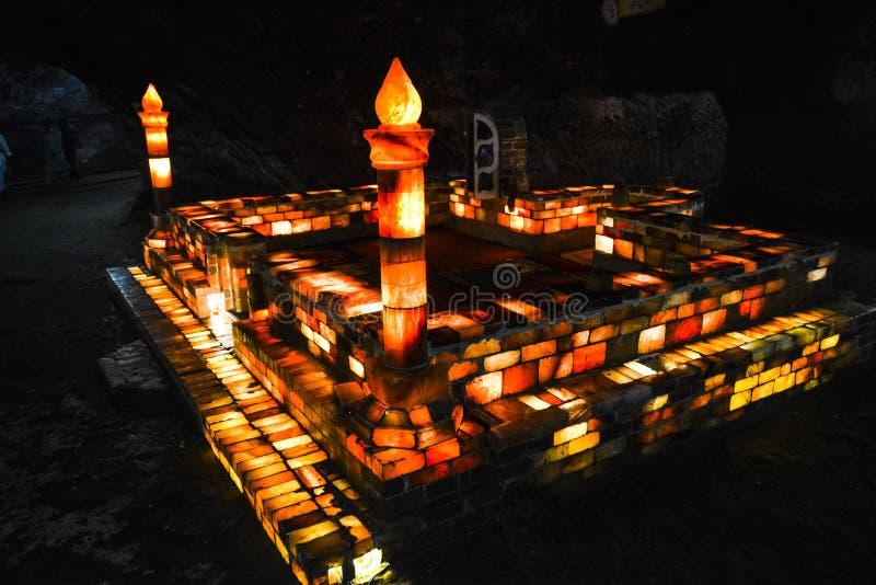Mosquée faite de briques de sel à l'intérieur du mien de Khewra photo libre de droits
