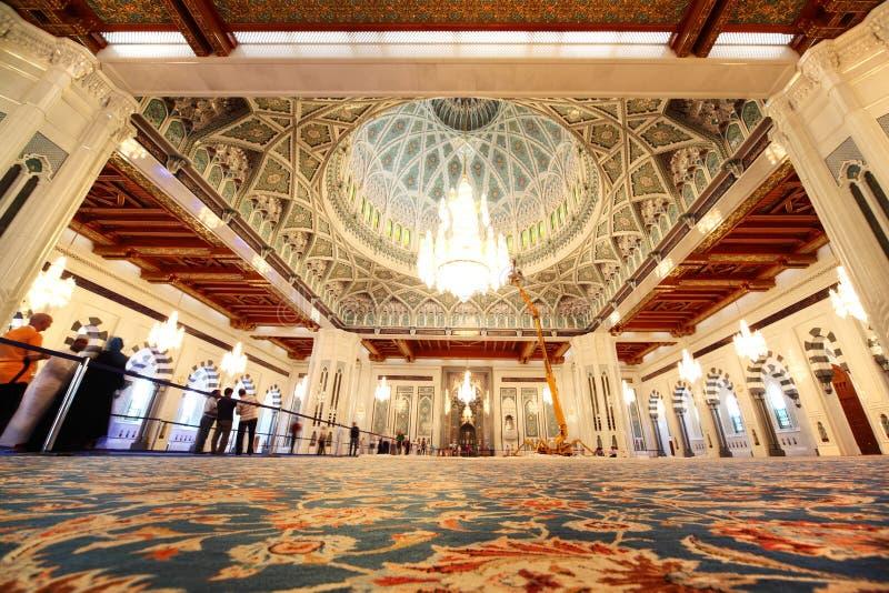 Mosquée grande dans l'intérieur de vue générale de l'Oman photos stock