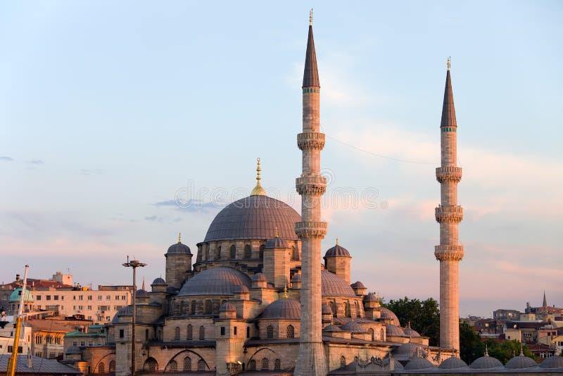 Mosquée neuve à Istanbul image libre de droits