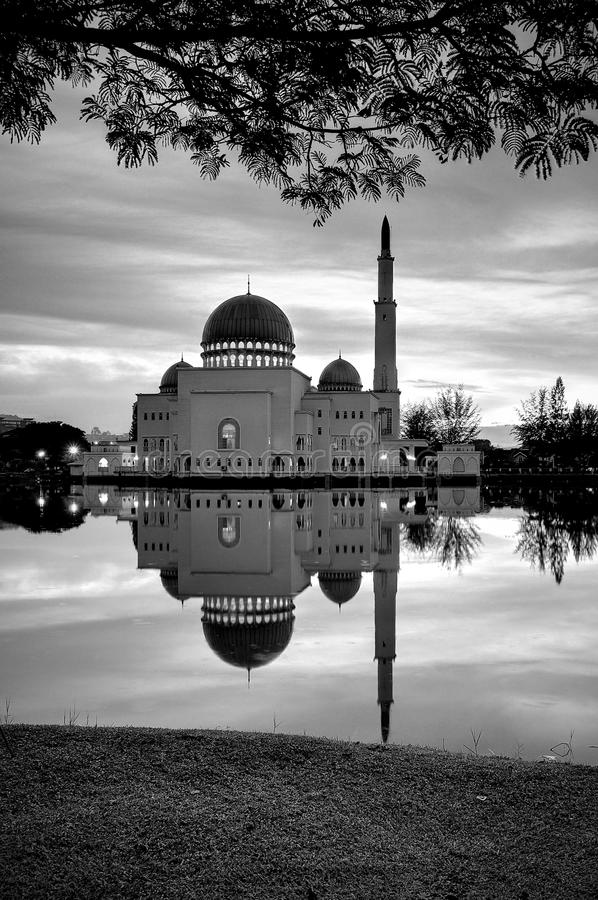 Download Mosque by the lakeside stock photo. Image of landmark - 35079970