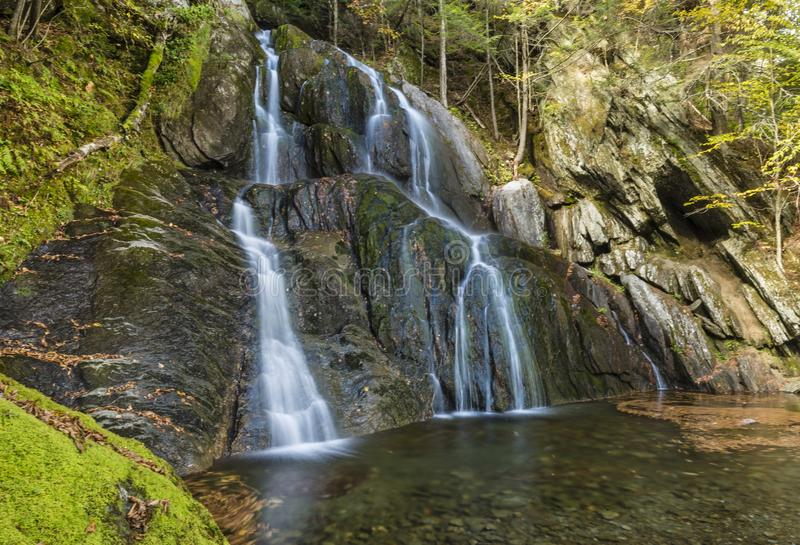 Moss Glen Falls et piscine verte photos libres de droits