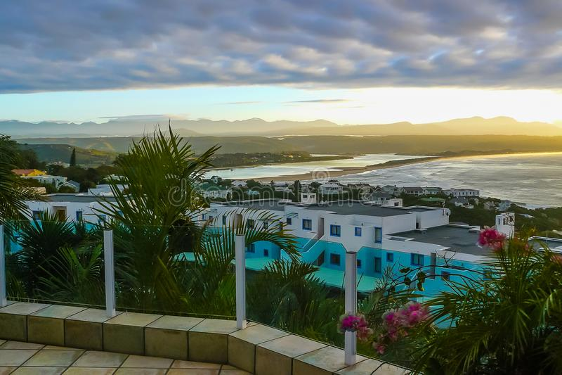 Mosselbaai Zuid-Afrika bij zonsondergang stock foto's