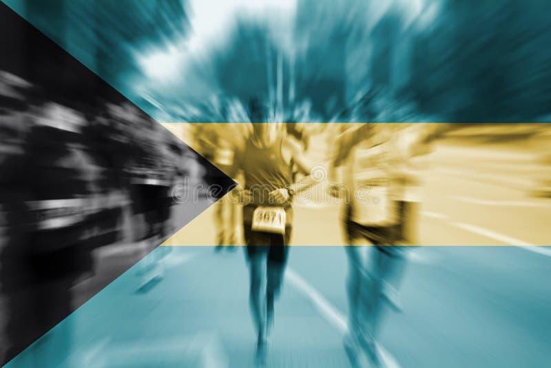 Mosso del corridore maratona con il mescolamento della bandiera delle Bahamas fotografie stock libere da diritti