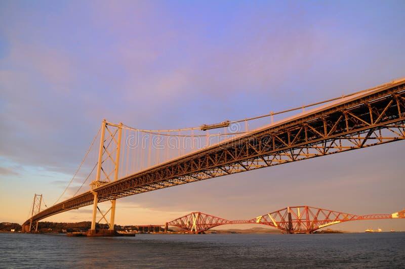 mostów naprzód sztachetowa droga zdjęcia stock