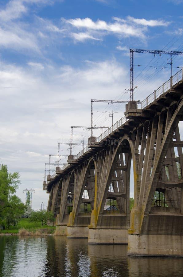 Download Most zdjęcie stock. Obraz złożonej z prowadzenia, rzeka - 53781950