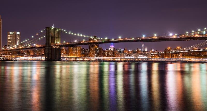 Most Brooklyński przy nocą, Miasto Nowy Jork zdjęcia royalty free