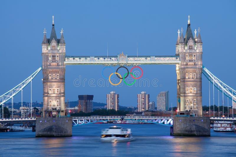 most dekorujący London olimpijski pierścionków wierza obraz royalty free