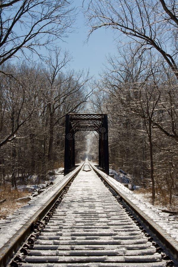 most marznąca torów szynowy kobyłka zdjęcie stock