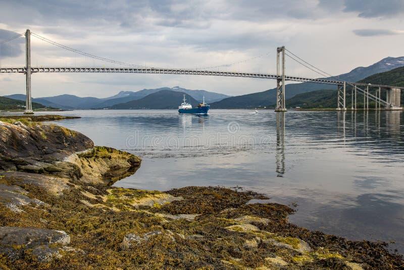 Most między wyspami zdjęcie royalty free