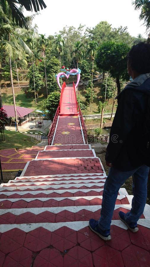 Most miłość przy Kyai langgeng parkiem w magelang Indonesia obrazy stock