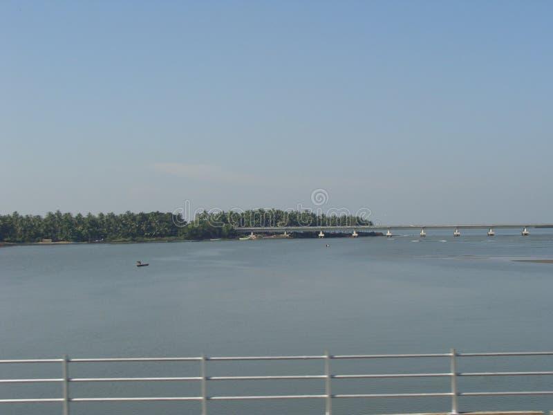 Most na rzece fotografia stock