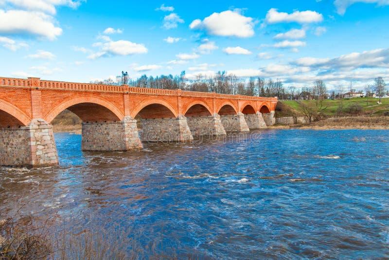 Most na Venta rzece, Kuldiga, Latvia. fotografia stock