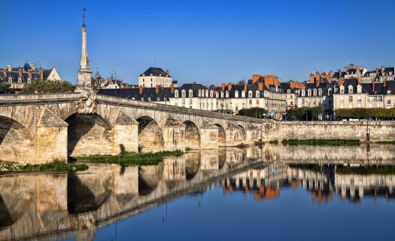 Download Most Nad Loire Rzeką W Blois Obraz Stock - Obraz złożonej z landmark, panorama: 53785159
